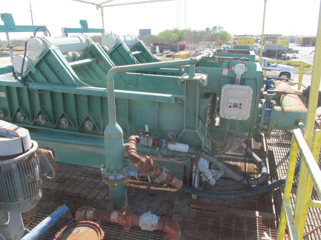 (2) DERRICK TC 504 Super G Shale Shakers