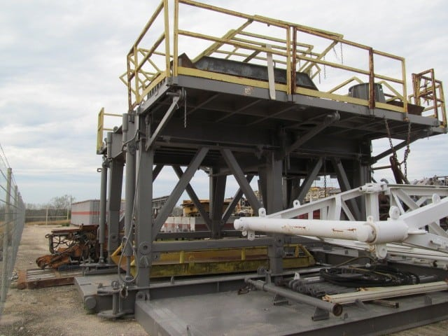DSI 15'H Hydraulic Telescoping Substructure