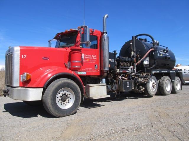 2006 PETE Kill Truck w/ 10,000# Pump – YD1