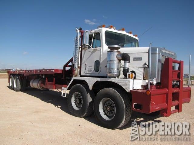 """INTERNATIONAL Paystar 5000 Tandem Steer Bed Truck w/ 375""""WB – YD1"""