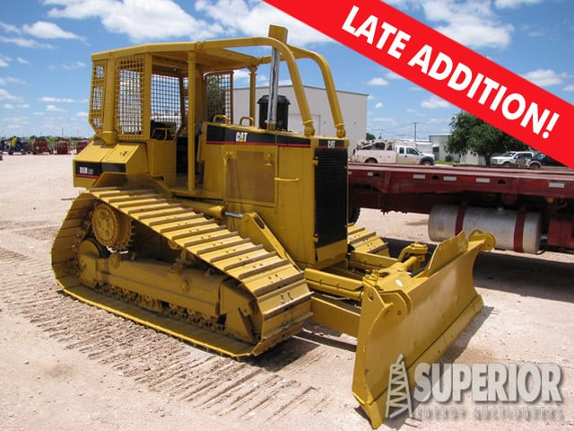 CAT D5M LGP Crawer Tractor w/ 6-Way Blade & Winch