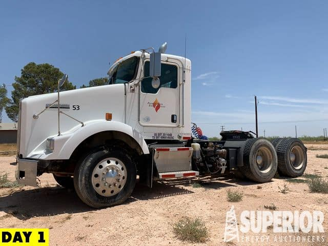 2010 KENWORTH T800 Truck Tractor – YD1