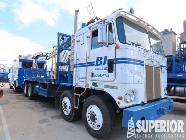 KENWORTH K100 Line Truck w/ IMT Crane – YD1