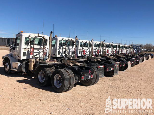 2018 PETE 567 Blower Truck Tractors – YD1
