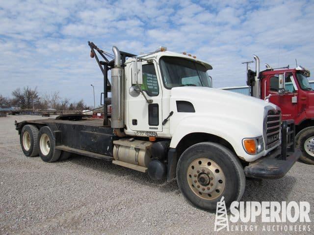 2007 MACK CV-713 Winch Truck – YD1