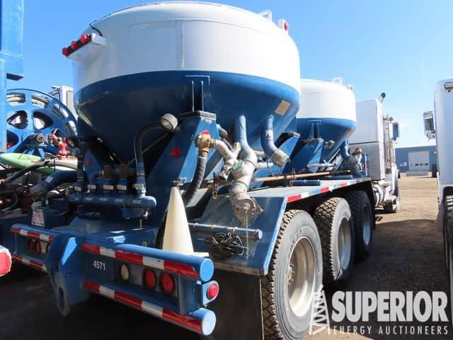 2011 W.STAR Body Load Bulk Cement Truck – YD2