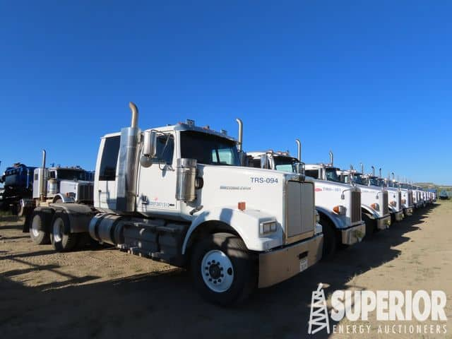 PETERBILT & WESTERN STAR Sleeper & Wet Kit Trucks  – YD1